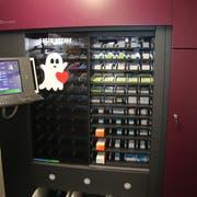 Dieser neue Roboter nimmt den Apothekerinnen viel Arbeit ab. (Bild: Elena Fasoli)