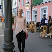 Nikol Bohunicky wurde vor ihrer Bar Perron von einem Mann bedroht, der sich als «Einziger Schweizer am Hafen» bezeichnet. Bild: ibi