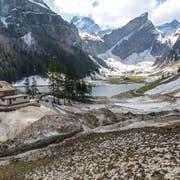 Mit dem Frühlingswetter werden im Alpstein die vom Winter verursachten Blessuren sichtbar. (Bild: Raphael Rohner)