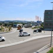 Heute und morgen Freitag ist die Umfahrung Rickenbach zwischen den Möbelhäusern Lipo und Diga in Fahrtrichtung Toggenburg gesperrt. Samstag und Sonntag erfolgt eine Vollsperrung. (Bild: Hans Suter)