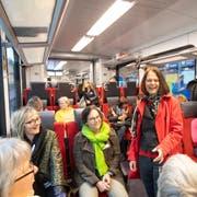 Roadshow der Frauen: Die amtierende St.Galler SP-Nationalrätin Claudia Friedl im Gespräch mit Nationalratskandidatinnen anderer Parteien. (Bild: Ralph Ribi)
