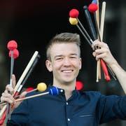 Jonas Elmiger ist Perkussionist und stand sogar schon im KKL auf der Bühne. (Bild: Eveline Beerkicher, Luzern, 19. Juni 2019)