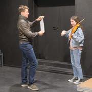 Im Stück der 13 Jugendlichen des Jugendtheaters Ruswil gibt es ein Theater ums Theater.Bild: Hannes Bucher