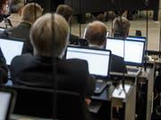 Laptop statt Papier: Für die Umtriebe soll der Luzerner Kantonsrat von 250 Franken pro Kopf profitieren. (Bild: Nadia Schärli, 22. Oktober 2018)