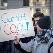 Schüler demonstrieren während der Unterrichtszeit in St.Gallen. (Bild: Michel Canonica)