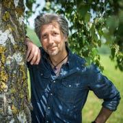 Amriswil TG - Der Amriswiler Schlagersänger Roger de Win (bürgelicher Name Roger Kuster) posiert in der Natur.
