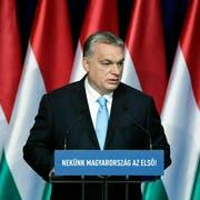 Viktor Orbán bei seiner alljährlichen Rede in Budapest. (Bild: Szilard Koszticsak/AP, 10. Februar 2019)