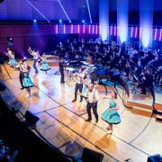 Rock'n'Roll Club Sixteen mit Lucerne Concert Band im KKL. (Bild: Nadia Schärli, Luzer, 3. Mai 2019)