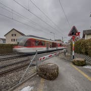 Der Übergang Horwerstrasse/Krienserstrasse soll aufgehoben werden. Möglich ist, dass dort als Ersatz eine Überführung entsteht. Bild: Pius Amrein (Kriens 22. Februar 2018).