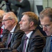 Der Luzerner Finanzdirektor Marcel Schwerzmann (zweiter von rechts) würde eine Verschiebung der Finanzreform «sehr bedauern». Rechts von ihm Bildungsdirektor Reto Wyss, links Robert Küng, Paul Winiker und Guido Graf. ((Bild: Nadia Schärli (Luzern, 22. Oktober 2018))