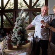 Laden am 24. Dezember jeweils zu einem Weihnachtsessen der besonderen Art: Franz und Erika Hunkeler vom Gasthaus «St.Anton» in Egolzwil. (Bild: Eveline Beerkircher, 20.Dezember 2018)