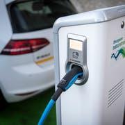 Die Technischen Betriebe Kreuzlingen besitzen E-Tankstellen, an denen Elektroautos aufgeladen werden können. (Bild: Reto Martin)