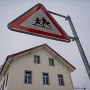 Spielt in der Planung des Schulrats keine Rolle mehr: das Schulhaus Otmar in Andwil. (Bild: Benjamin Manser)