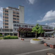 Wo das Spital Sursee (im Bild) neu gebaut wird, ist nach wie vor unklar. (Bild: Pius Amrein (Sursee, 4. Juni 2018))