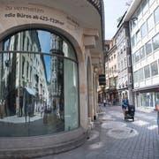 Das «Haus zur Laterne» am Bärenplatz ist eines der teuersten Ladenlokale der Stadt St.Gallen. Bis Sommer 2018 war hier die Buchhandlung Rösslitor eingemietet. (Bild: Ralph Ribi)