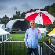 «Jetzt wird einmal mehr über die Ticketverkäufe spekuliert»: Festivalchef Christof Huber. (Bild: Michel Canonica)