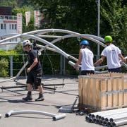 Aufbauarbeiten fürs Jodlerfest in Horw. (Bild: Nadia Schärli, 24. Juni 2019)
