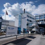 Hochdorf stellt den Betrieb von zwei Sprühtürmen ein. (Bild: Corinne Glanzmann, Hochdorf, 5. April 2018)