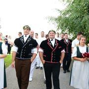 Samuel Giger und Domenic Schneider wurden am Freitagabend in Bussnang empfangen. (Bild: Werner Lenzin)