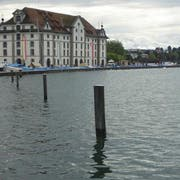 In der Nähe des Kornhauses in Rorschach wurde eine leblose Person im Wasser vorgefunden.
