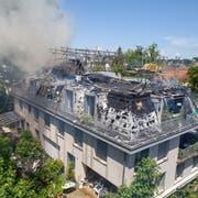 Vom Bruchquartier steigt eine Rauchsäule auf. (Bild: Leserbild)