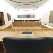 Blick in den Gerichtssaal des Zuger Obergerichts. (Bild: Christof Borner-Keller)