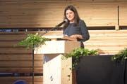 Jennifer Abderhalden hält nach ihrer Nomination vor rund 200 Anwesenden eine Ansprache. (Bild: Claudio Weder)