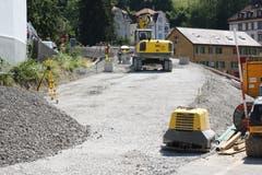 ...wo die Gleise der Anschluss der Appenzeller Bahn an die Ruckhalde und den neuen Tunnel neu erstellt werden muss. Die Rampe zum Nordportal des Tunnels hat bereits Gestalt angenommen. (Bilder: Reto Voneschen)