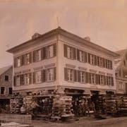 Hausverschiebung an der Poststrasse Wattwil, 1904, aus dem Buch «Die Zukunft beginnt» von Hans Büchler. (Bild: PD)