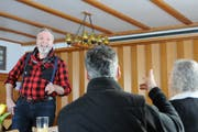 Komparse Lorenz Killer aus Gelterkinden am Casting für eine Sprechrolle bei Produktionsleiter Tom Volkers und Regisseur Jean Grädel. (Bild: Philipp Unterschütz (Engelberg: 19. Januar 2019))