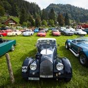 Die grosse Parade der Oldtimer: Als Einstimmung auf die Neuauflage des historischen Eigenthal-Rennens im September nächsten Jahres fuhren 100 historische Fahrzeuge von Luzern aus ins Eigenthal. (Bild: Jakob Ineichen (Holderchäppeli, 16. September 2018))