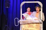 Eric Gadient (links) und Olli Hauenstein gaben eine Kostprobe ihres Programms. Am 25. Mai sind sie mit ihrer Show Clown-Syndrom im Würth Haus zu Gast. (Bild: Jolanda Riedener)