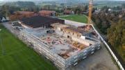 Die neue Sporthalle kommt voran. (Bild: Manuel Nagel)