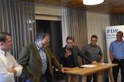 Lebhaftes Podium: Philipp Schneider, Ueli Strauss-Gallmann, Ruben Schuler (Moderator), Max Gmür und Renato Truniger (von links). (Bild: Timon Kobelt)