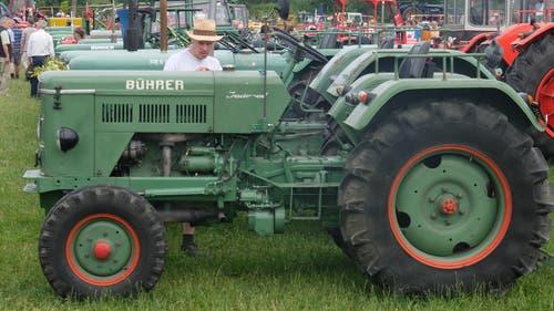 Viele Schweizer Landwirte halten ihrem Bührer die Treue.