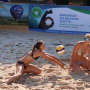 Anna Rau und Mirjam Keller verlieren das Finalspiel der B1-Frauen. (Bild: Barbara Hettich)