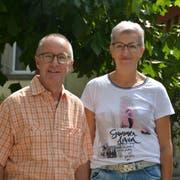Bruno Ammann und Irene Bösiger, Präsidentin der Kirchbehörde. (Bild: Monika Wick)