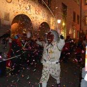 Die Wiler Fastnacht wird traditionell durch den Auszug der Tüüfel aus dem Hof offiziell eröffnet. (Bild: Gianni Amstutz)