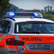 «Stop»: Die Polizei wies den Fahrer an, anzuhalten. Vergeblich. (Bild: Kapo SG)