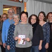 Das OK des «Wiler Tag der Frau», von links: Doris Scheiflinger, Monika Paminger, Erwin Sulzer, Renata Ruggli, Marianne Mettler, Miriam Schildknecht, Anja Bernet und Mirta Sauer. (Bild: Gianni Amstutz)