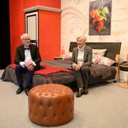 Bernadette Erni und Pius Rösli bilden das Co-Präsidium der Theatergesellschaft Adligenswil, die das Stück «Das Mandarinenzimmer» aufführt. (Bild: Roger Grütter, 9. März 2019)