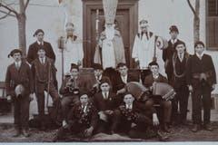St. Nikolausgruppe ca. 1930. (Bild: Archiv Jost Troxler/ Gemeinde Mauensee)