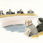 Sie bestreiten, ihre Tochter vernachlässigt zu haben: der beschuldigte Vater und die beschuldigte Mutter gestern vor Gericht. (Illustration: Sibylle Heusser)