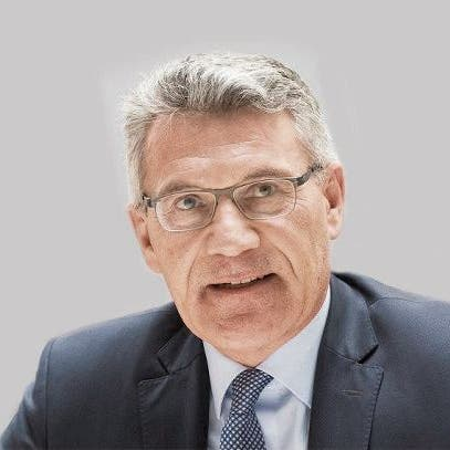 SVP-Nationalrat Pirmin Schwander zieht es ins Stöckli. Damit will er die Nachfolge von Parteikollege Peter Föhn übernehmen. Gleichzeitig tritt er auch wieder für den Nationalrat an.