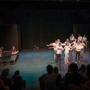 Die Schüler der Klasse 6B führen im Theaterpavillon in Luzern ihr Stück «Die Truhe im Estrich» auf. (Bild: Roger Grütter, Luzern, 5. Juni 2018)
