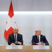 Bundesrat Alain Berset und Bundespräsident Ueli Maurer haben sich gemeinsam für die Staf eingesetzt. (KEYSTONE/Peter Klaunzer)
