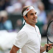 Völlig entspannt: Roger Federer vor dem Wimbledon-Final. (Bild: Keystone)