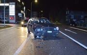 Nicht mehr fahrbar: Eines der Autos nach dem Verkehrsunfall. (Bild: Kapo Nidwalden)