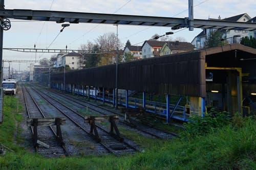 Eine von schweizweit zehn Reinigungsanlagen der SBB: Die Zug-Waschstrasse im Rorschacher Bahnhofareal.