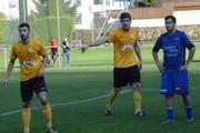 Schneider (in der Mitte) rettete Wattwil Bunt mit seinem Tor immerhin einen Punkt. (Bild: Beat Lanzendorfer)